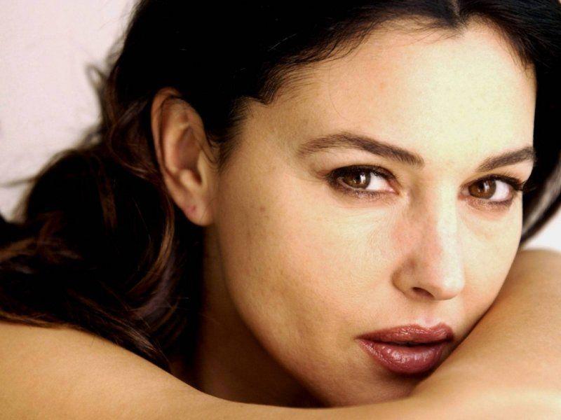 Monica Belucci, tinereţe fără bătrâneţe! Într-un cuplu  trebuie să fie doi pentru un tango