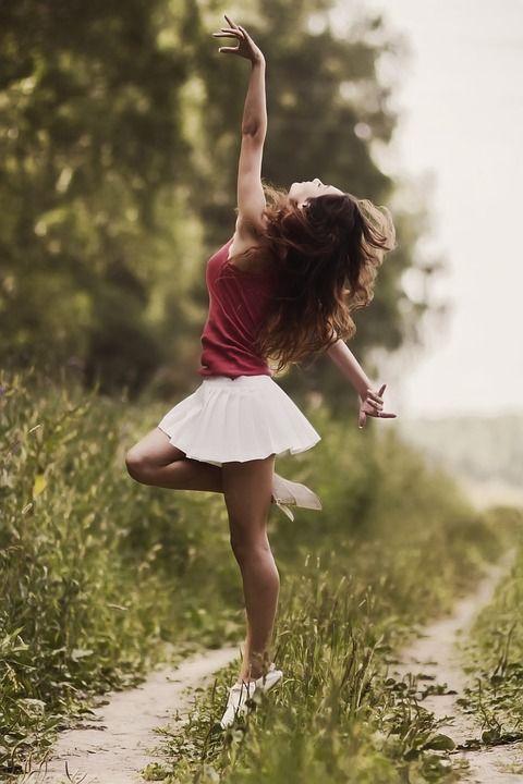 Dacă sunt fericit sunt şi sănătos? Dar fericirea ce e de fapt?