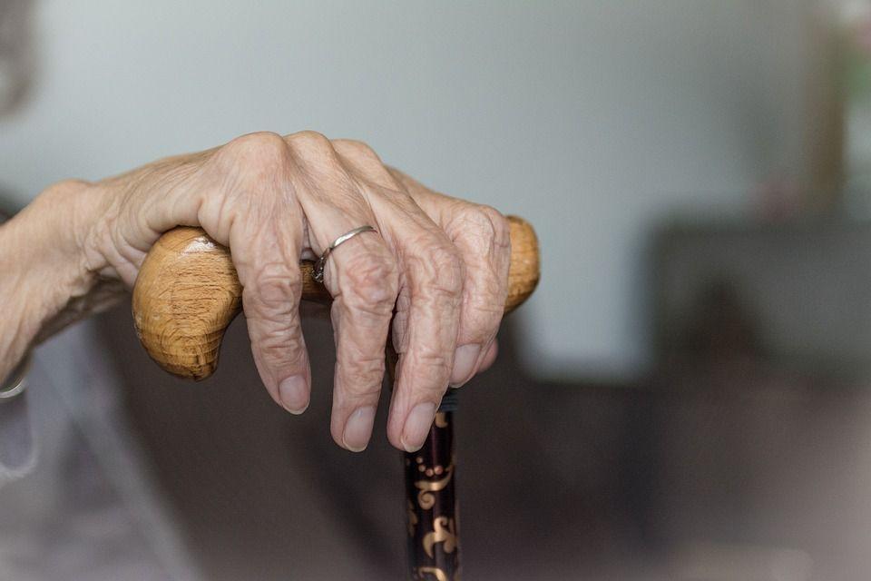 O femeie trecută de 90 de ani a dezvăluit secretul longevității sale. Sfaturi de preț pe care orice femeie trebuie să le cunoască