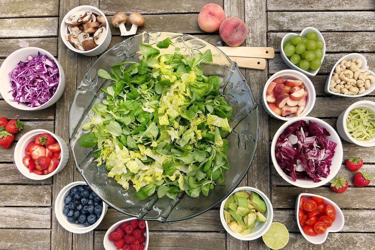 Ce este bine să mănânci și ce nu atunci când alăptezi