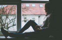 """Psiholog: """"Reprimarea emoțiilor ne poate îmbolnăvi"""""""