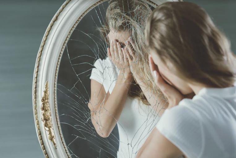 Cauzele emoționale ale bolilor. Furia crește tensiunea, obezii sunt înfometați de iubire