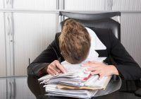 Muncile sedentare, un pericol pentru sănătate! Se dublează incidența bolilor cardiovasculare! Ce e de făcut