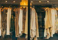 4 pericole la care te supui când cumperi haine sintetice