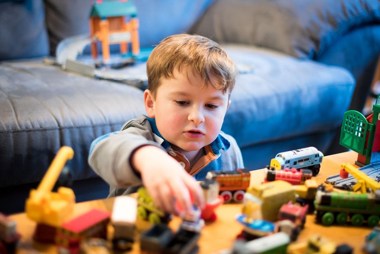 """Psiholog: """"Jocul, starea naturală prin care copilul învață regulile sociale"""""""