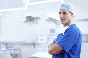 Top 5 situații de malpraxis pentru medicii romani