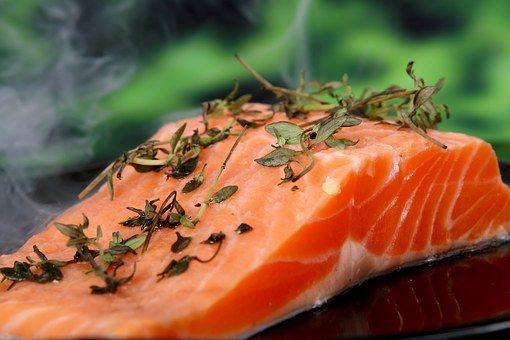 Dieta Atkins, regimul care te poate slăbi dramatic. Care sunt principiile alimentare recomandate