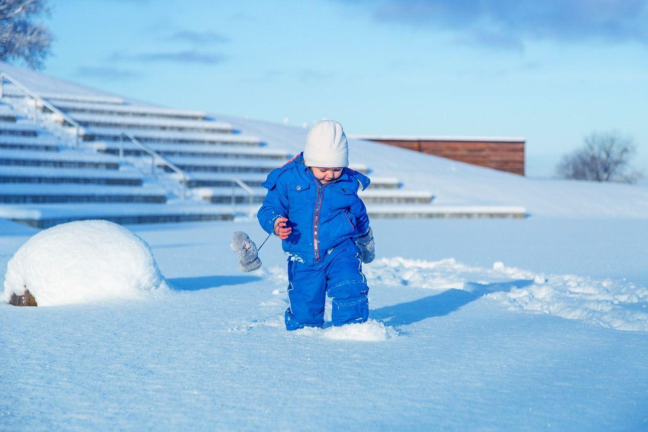 Copilul tău are alergie la frig? Ce e de făcut