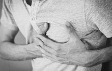 Înțepăturile în piept pot anunța boli de inimă sau pneumonie. Șapte tipuri de dureri pe care să nu le ignori