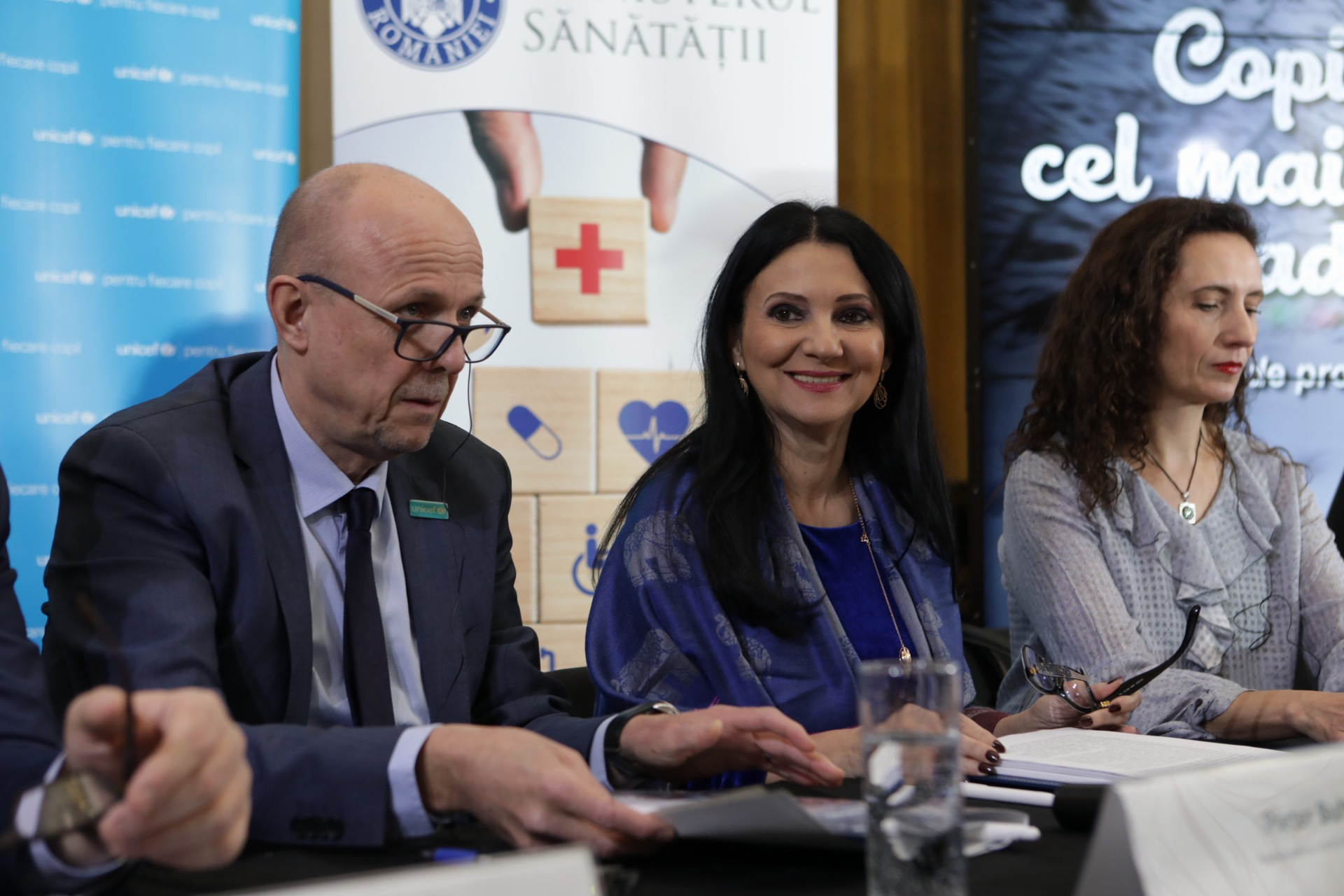 """Ministerul Sănătății și UNICEF au lansat campania de promovare a vaccinării: """"Copilăria, cel mai frumos cadou"""""""
