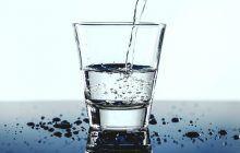 Apa cu multiple beneficii pentru organism. De ce să o consumăm zilnic