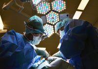 """Încă un """"caz Matteo Politi"""". Un medic fals a operat, timp de nouă ani, într-un spital mare din România"""
