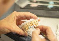 Reguli care aplicate inainte si dupa implantul dentar asigura reusita interventiei (P)