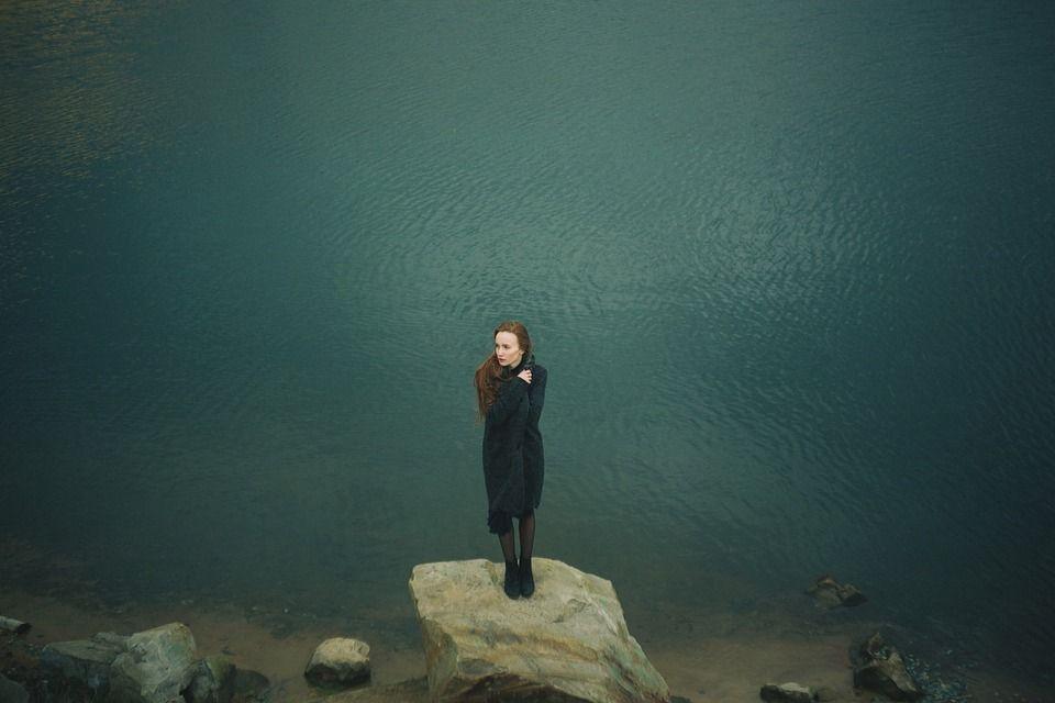 Borderline, o gravă tulburare de personalitate. Care sunt principalele 9 simptome prin care recunoaștem afecțiunea