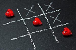Omul intre iubire si frica. Un cunoscut psiholog atenționeaza: Opusul iubirii este, paradoxal, nu ura, ci frica