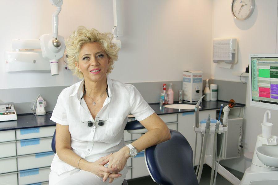 """DocPlay cu dr. Anca Vereanu. """"Punțile dentare, adică șlefuirea unor dinți sănătoși, ar trebui considerate malpraxis"""""""