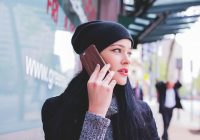 Adevărul nespus despre telefoanele mobile! Cât de periculoase sunt, de fapt?  Radiofrecvențele neionizate afectează în timp țesutul pe lângă care stau