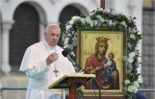 """Papa Francisc ne îndeamnă să nu ne pierdem speranța. """"L-am rugat pe Dumnezeu să oprească pandemia.  Doamne, oprește-o cu mâna Ta!"""