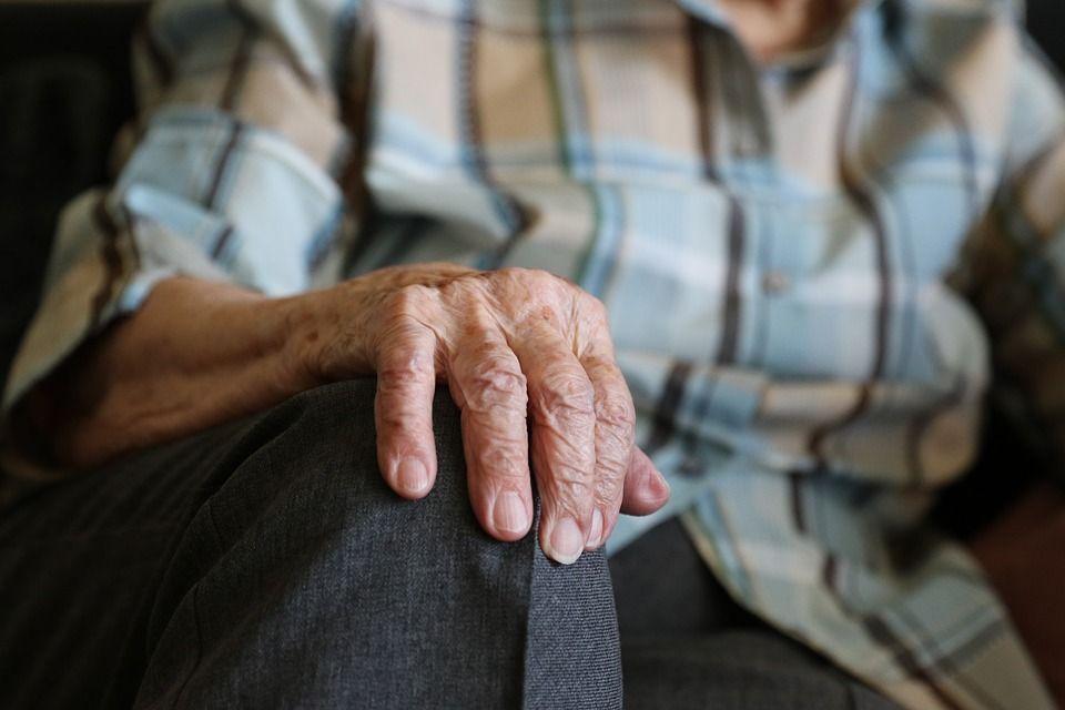 Un bătrân a fost nevoie să iasă din spital ca să roage oamenii să doneze sânge pentru el