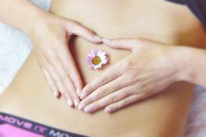 O rană pe colul uterin se poate transforma în cancer. Iată din ce cauză apare