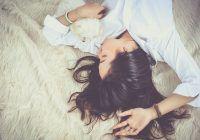 Trucul ingenios care te ajută să adormi în mai puțin de un minut. A fost dezvăluit de un absolvent Harvard