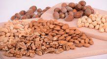 Cum se consumă fructele oleaginoase pentru eficiență maximă