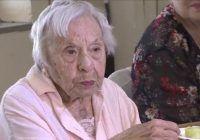 """Femeia care a împlinit 107 ani vorbește despre secretul longevității sale: """"Pentru că nu m-am măritat niciodată"""""""