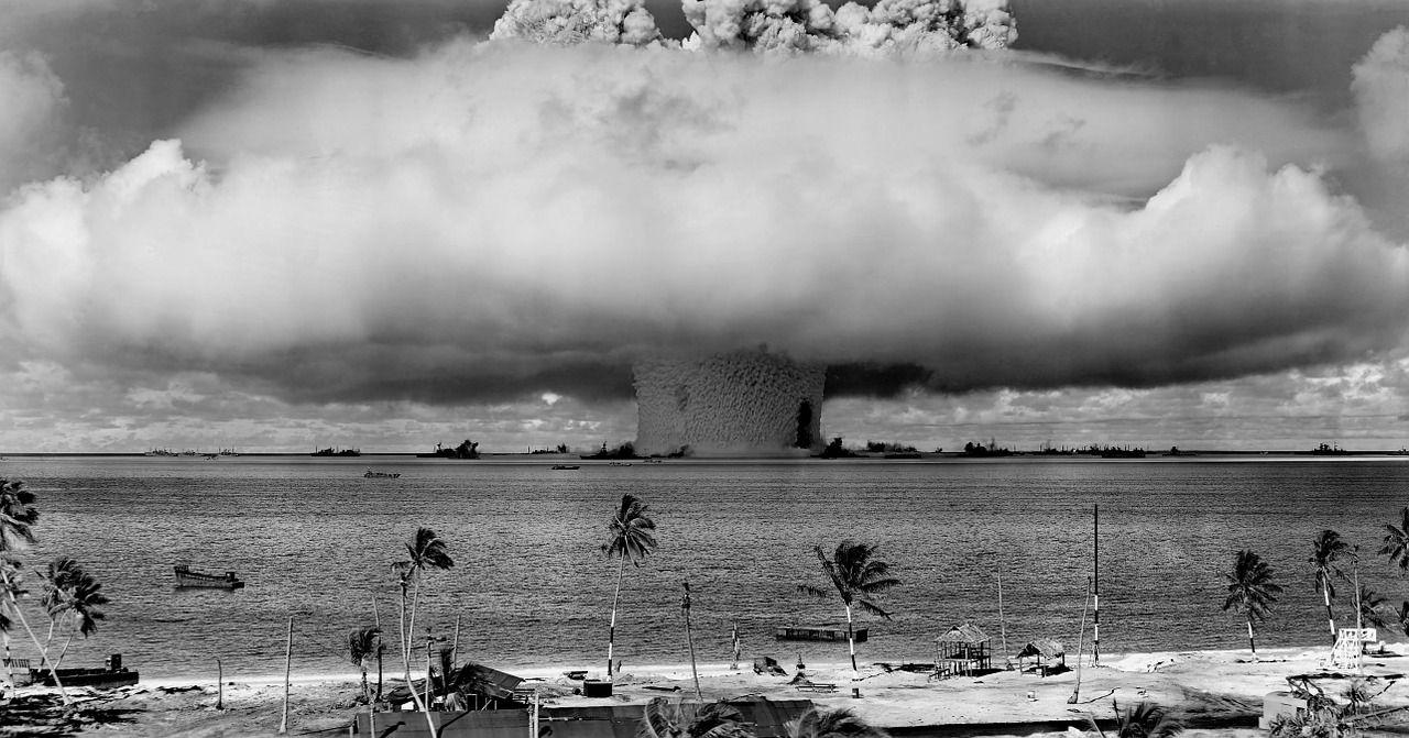Cum ne protejăm de un eventual dezastru nuclear. Măsurile imediate care se iau dacă ai fost expus la radiații
