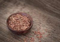 Cură cu semințe de in te ajută să scapi de constipație și de kilogramele în plus