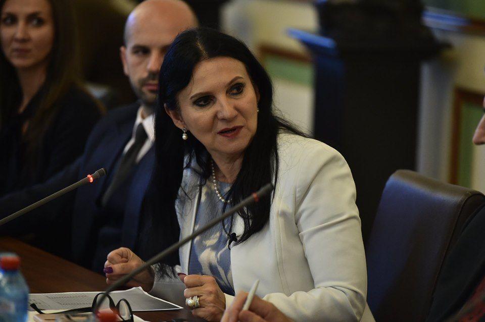 """Sorina Pintea este îngrozită de ce a găsit la Spitalul Județean Craiova. """"Trebuia să fie perla Olteniei, în schimb au doar nereguli și multă rea voință"""""""