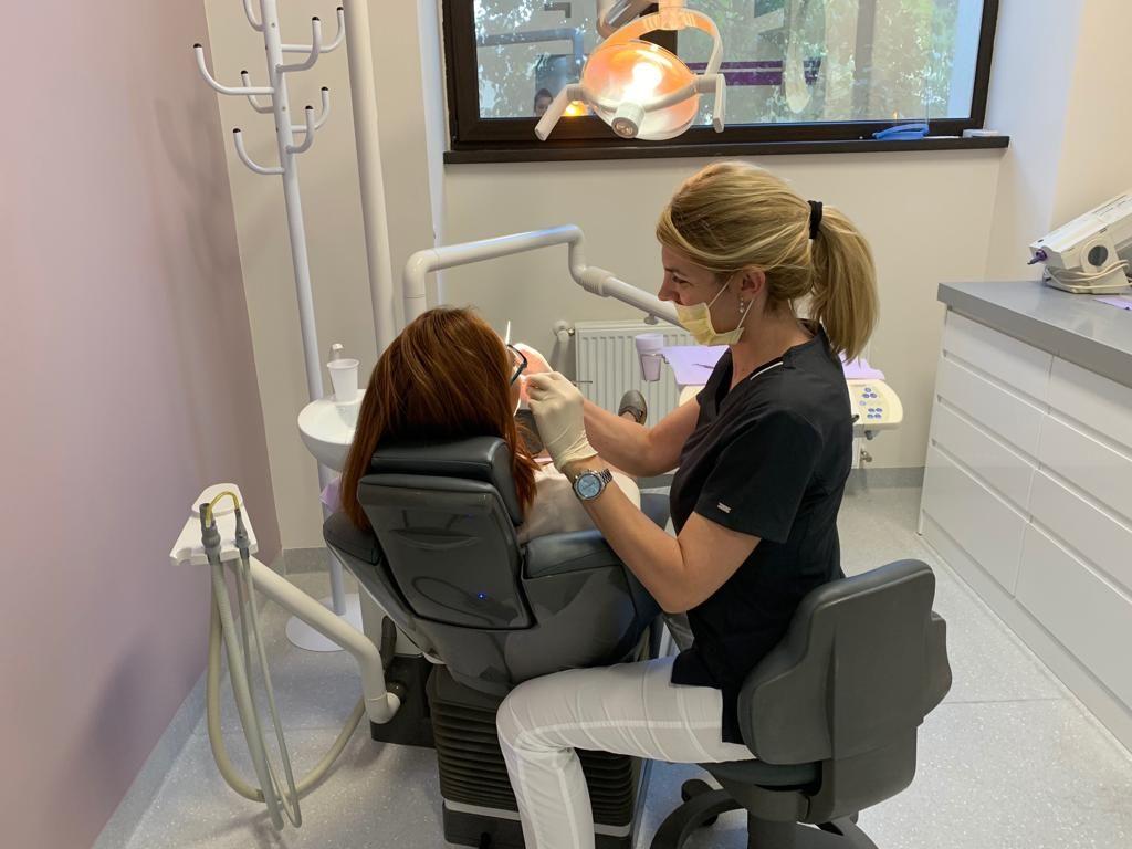 Ce rol important are aparatul dentar, în afara de alinierea dinților și până la ce vârstă este indicat