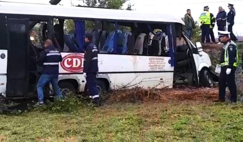 """10 morți și 7 răniți în cel mai grav accident rutier de anul acesta, în Ialomița. Anunțul făcut de un mare lanț de magazine: """"Ne-am pierdut în accident 8 colegi și alți 7 sunt răniți"""""""