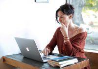 Iubirea online poate avea multe fețe! Pericolele nebănuite care pot apărea când crezi că ți-ai găsit jumătatea pe net, avertizarea Poliției Române