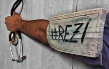 Studenții la Medicină și Farmacie declanșează greva japoneză! #REZI este simbolul nemulțuirii lor