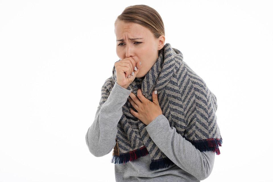 Pneumonia poate ucide dacă nu este tratată. Iată care sunt semnele de alarmă