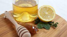 """Mierea și lămâia, o combinație miraculoasă. Te scapă de răceală și """"topesc"""" depozitele de grăsime"""
