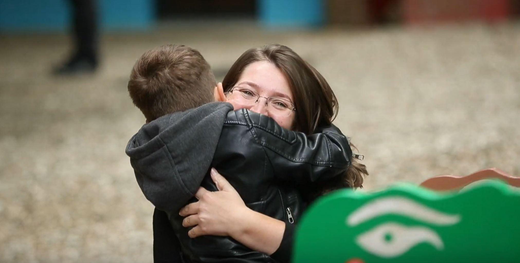 La doar 7 luni de la terapia cu celule stem, un copil român cu autism se bucură de reducerea completă a medicației