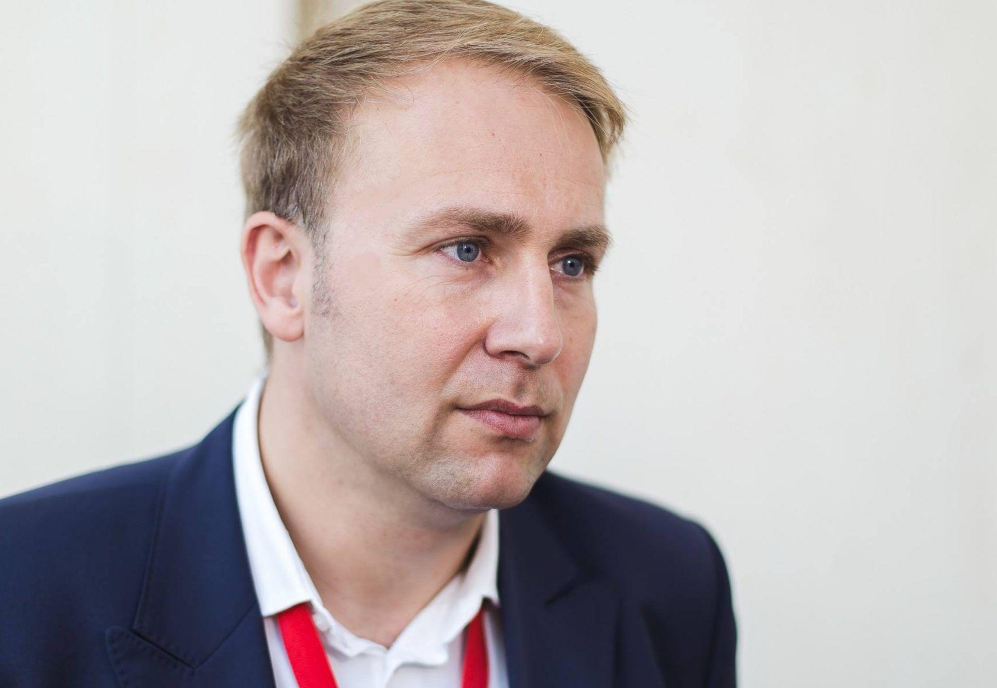 Ministrul Sănătății, declarație controversată: Părinții care muncesc în străinătate ar fi de vină pentru numărul tot mai mare al copiilor cu autism