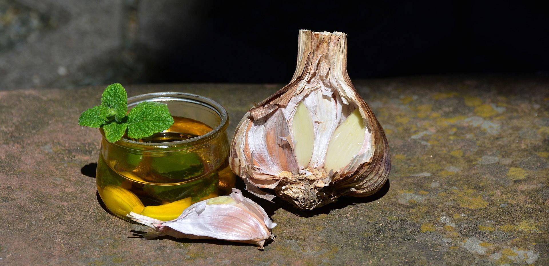 Usturoiul, cel mai bun medicament natural împotriva răcelii și armă combustibil pentru imunitate. Cât și cum trebuie consumat