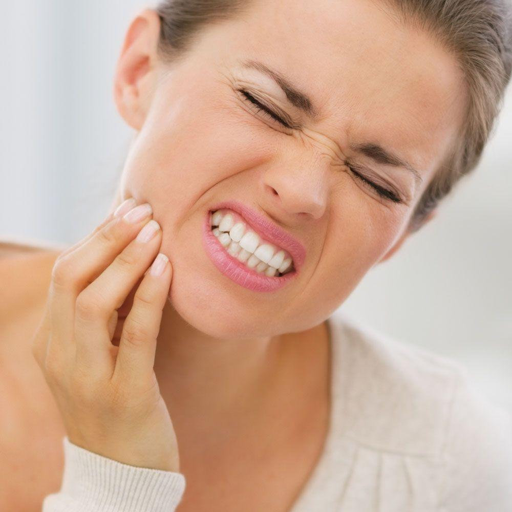 Caria dentară, nu doar inestetică și un focar de boli, ci și contagioasă! Cât e de periculoasă și ce măsuri se iau de îndată