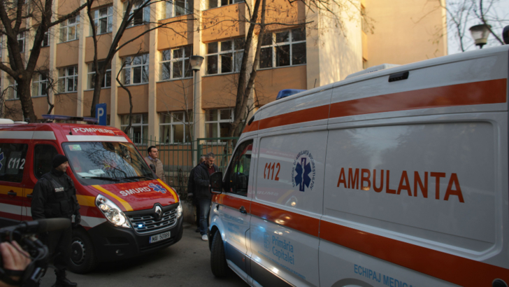 18 elevi din București au ajuns la spital după ce în școală s-a făcut igienizare