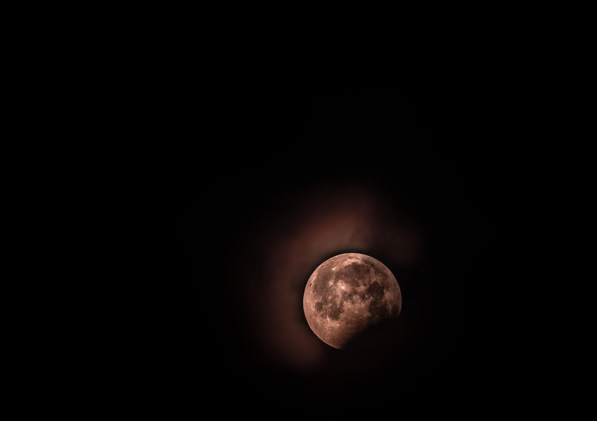 După debutul fulminant al lui 2020, Luna Plină a lui februarie ne aduce surprize colosale. La ce să ne așteptăm