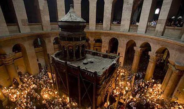 S-a pus lacătul pe Biserica Sfântului Mormânt, de unde creștinii așteaptă Lumina Învierii în fiecare an