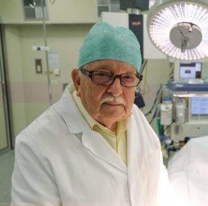 """""""Dacă mă temeam, nu mă făceam medic!"""" – La 85 de ani revine în spital să ajute pacienții afectați de coronavirus"""