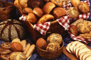 Pâine albă sau neagră? Iată ce trebuie să știi despre conținutul caloric și beneficiile fiecărui tip de pâine